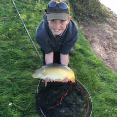Young Dan Collings made his first visit to our pool at Bradley Green, he pole fished pellet and was rewarded with this 9lb 10oz mirror carp. Not bad for end OCT. Well done Dan.